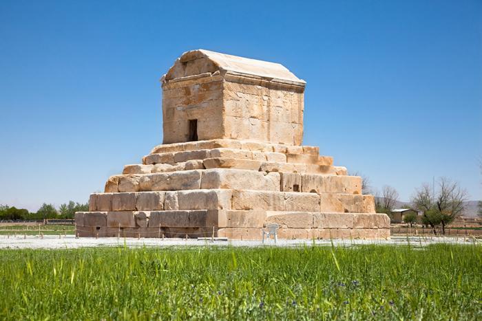 مقبره کوروش؛ قدیمی ترین ساختمان ضد زلزله جهان