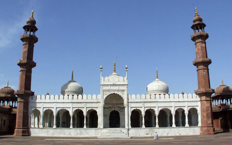 مسجد موتی در کدام شهر است؟ ، مسجد مروارید در کدام شهر هند است؟