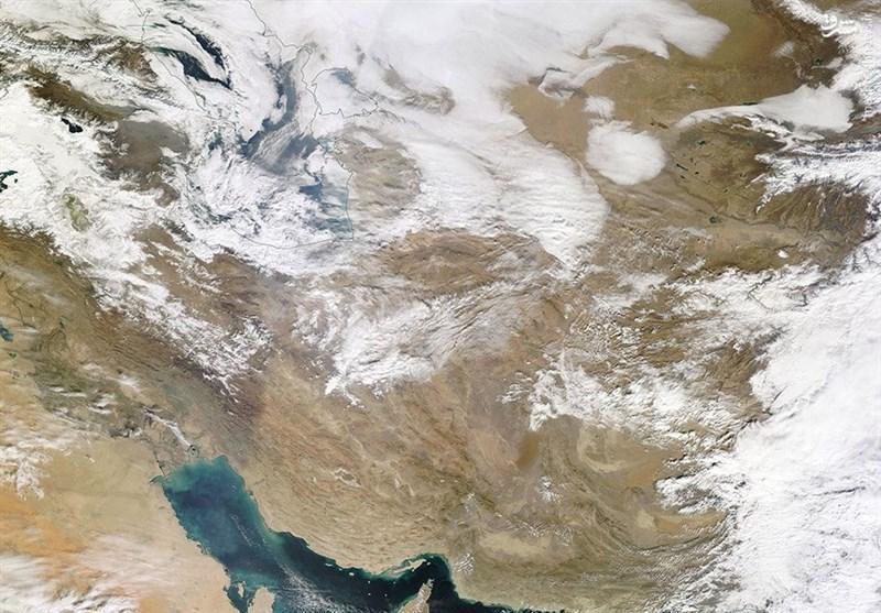 تداوم وزش باد نسبتاً شدید و گرد و خاک در سیستان تا اواخر هفته جاری، شرق دریای عمان مواج می گردد