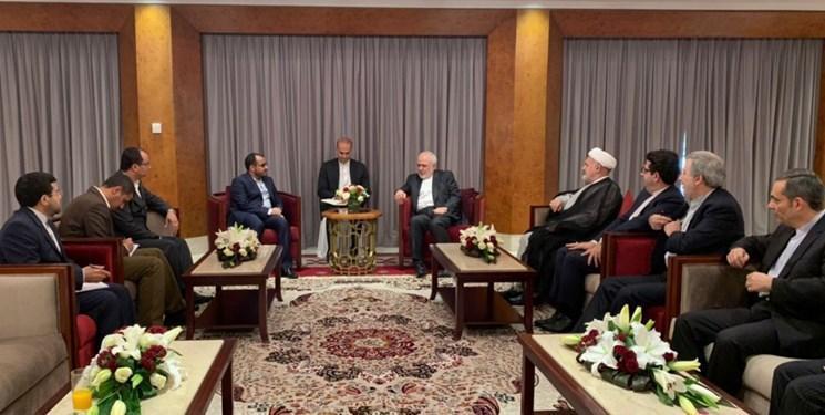 ملاقات سخنگوی انصارالله یمن با ظریف در مسقط