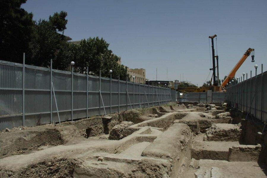 نگرانی ها از تهدید و تخریب آثار مدفون کاخ دنیا نمای اصفهان ، کاخ دنیا نما زیر خاک محفوظ تر است
