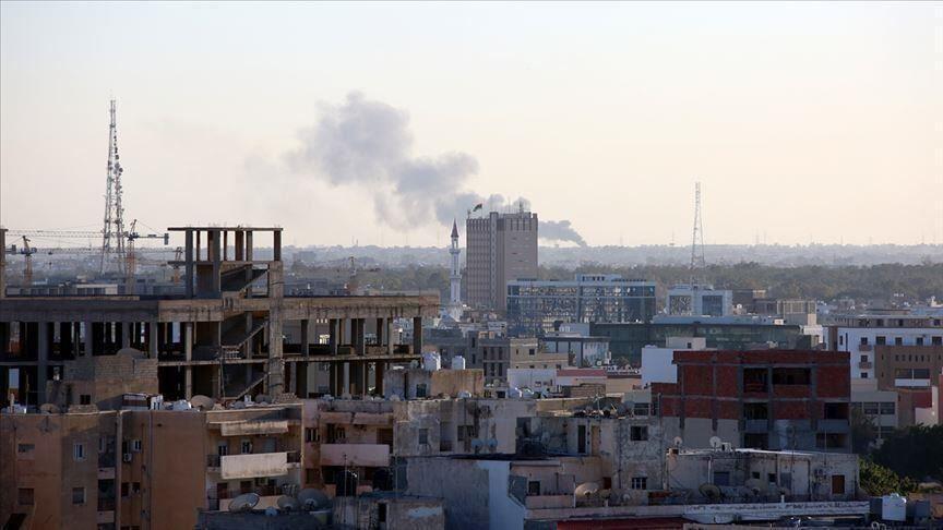 خبرنگاران حمله موشکی نیروهای ژنرال حفتر به فرودگاه معیتیقه در لیبی