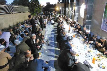 آشنایی با رسوم کردها در ماه رمضان؛ از ریسه کلوچه تا کیسه نمک