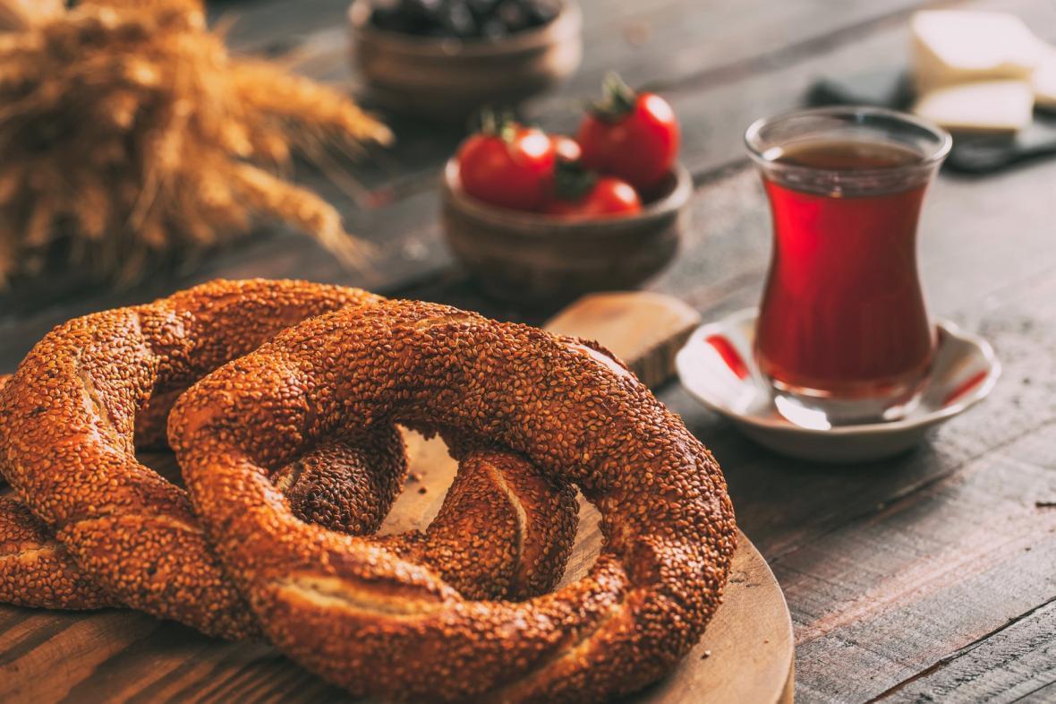 طرز تهیه نان سیمیت ترکی بدون تخم مرغ در خانه