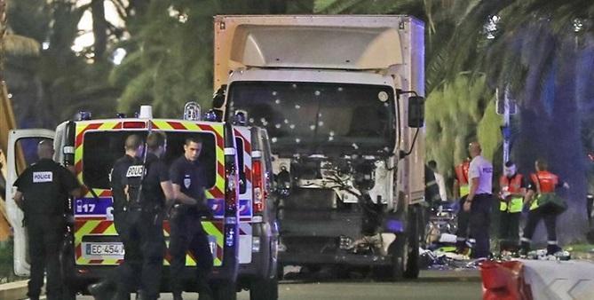 در برخورد دو هواپیما در فرانسه 5 نفر کشته شدند