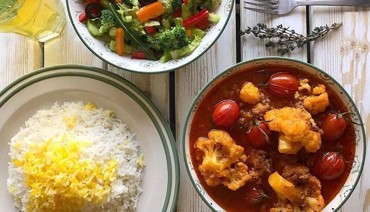 طرز تهیه خورش گل کلم با مرغ، گوشت و نعنا جعفری