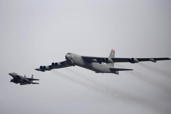 آمریکا بمب افکن های بی-52 خود را در خاورمیانه مستقر می نماید